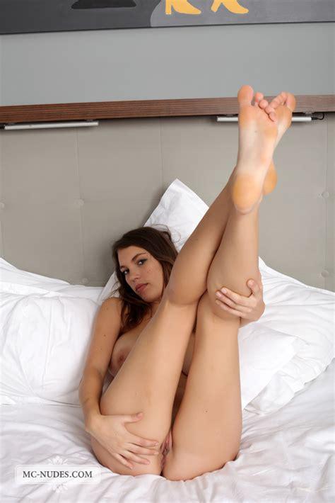 Hot Naked Girl Samantha In Bed