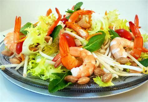 recette de cuisine avec des crevettes salade de crevettes au wasabi la recette facile par