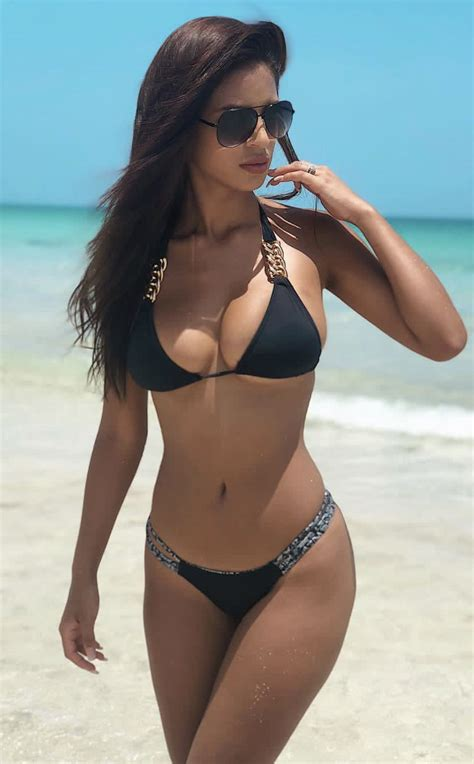 Chicas Hermosas En Bikini Bikinis Tangas Chicas En Bikinis