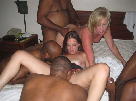 Wifebucket Real Amateur Orgies And Group Fucking