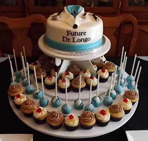 college graduationand   medical school cake