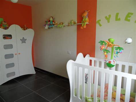 chambre bébé vert et blanc chambre bebe jaune et vert