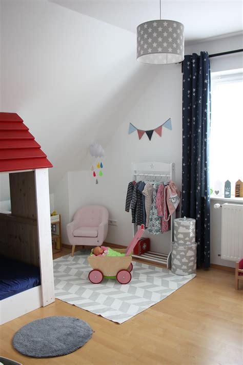 Kinderzimmer Einrichten Ideen by Schmales Kinderzimmer Einrichten Ideen Kleines
