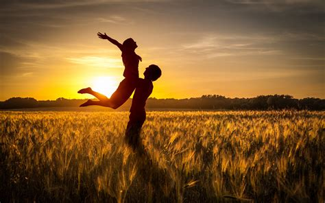 Such romantic pictures containing sweet romantic moments of. Download wallpaper 3840x2400 couple, love, sunset, field, grass, silhouettes 4k ultra hd 16:10 ...