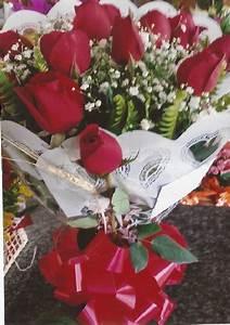 Buque De Rosas E De Flores Do Campo Para Presente