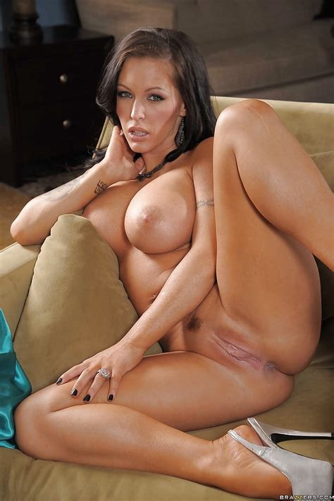 Hot Babe With Long Legs Jenna Presley Uncovering Her Voluptuous Curves Pornpics Com