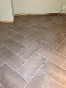 12 in x 24 in coastal grey resilient vinyl tile flooring 30 sq ft herringbone