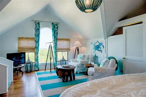 The home is immaculate, the food is amazing and sherry, the innkeeper is over the top amazing. Surf Song Bed & Breakfast - Atlanta Magazine
