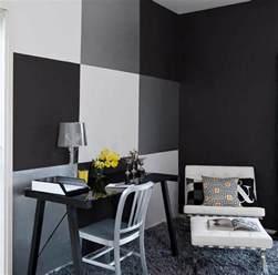 wohnzimmer ideen graue wand schwarze wände für moderne raum und farbgestaltung im wohnzimmer kreative wand streichen ideen