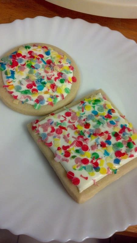 cookies  wafer paper confetti chu  cakes