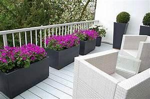 Große Pflanzkübel Für Draußen : der hit des sommers pflanzk bel f r dachterrasse und balkon pflanzk bel blog von ae trade ~ Sanjose-hotels-ca.com Haus und Dekorationen