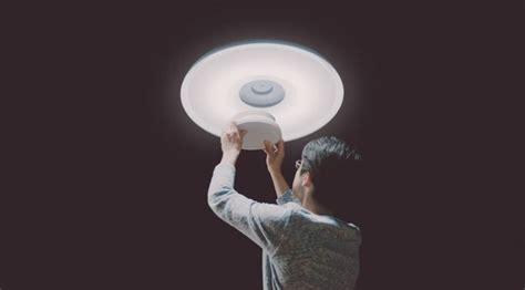 sony put  guts   smartphone   light bulb telecom clue