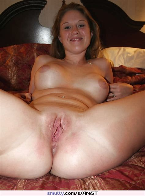 Hot Milf Sexy Smooth Shaved Pussy Open Naked