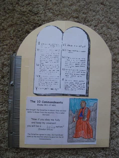 Free ten commandments for kids printable! Thy Word: Ten Commandments Lapbook