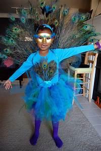 Halloween Paar Kostüme : handmade awesomeness check out my diy peacock costume halloween kost m kost me karneval ~ Frokenaadalensverden.com Haus und Dekorationen