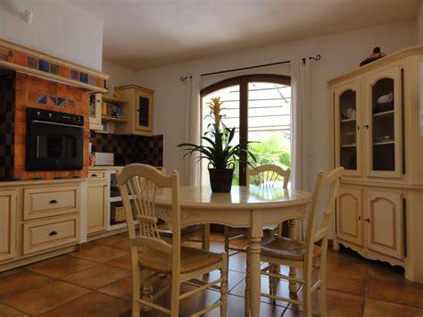 cuisine provençale photo 1 10 nouvelle table chaises et meuble d 39 angle