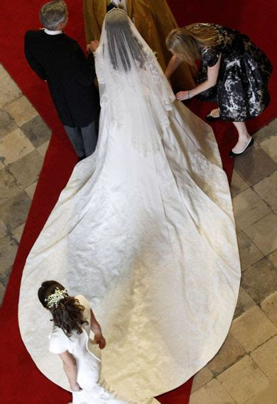 design  fabulous wedding dress  royal wedding