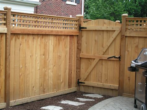 Fence - Gate : Cedar Fences-cardinal Fence & Supply, Inc