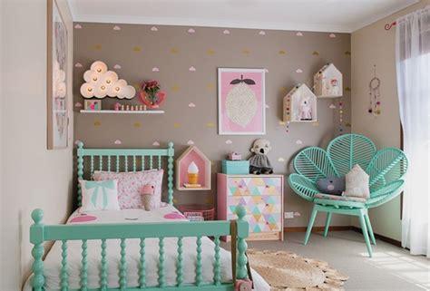 chambre bébé colorée deco chambre vert menthe visuel deco pastel
