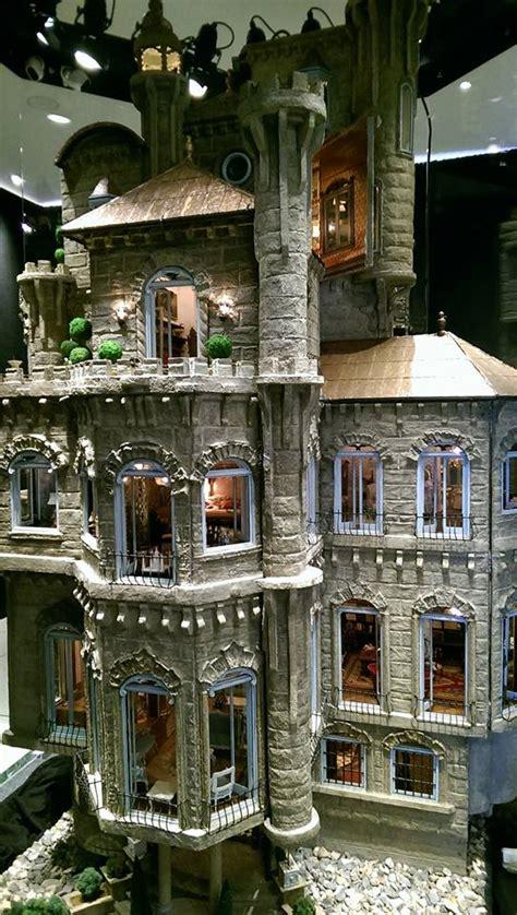 astolat dollhouse castle la maison de poupee la  chere du monde toutrien