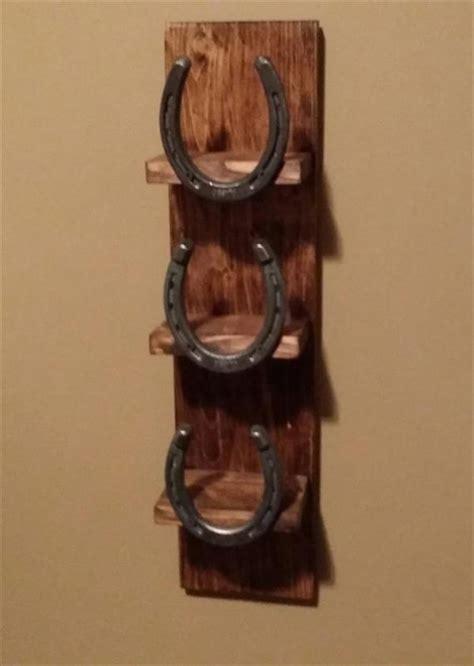 pallet  horseshoe bathroom towel rack pallet