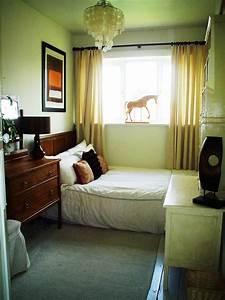 interior decorating small bedroom ideas decobizzcom With interior idea for small room