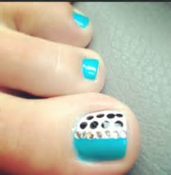 Best polka dots nail art design ideas for trendy girls