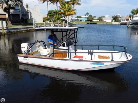 Whaler Fishing Boats by 1984 Used Boston Whaler 20 Outrage Center Console Fishing