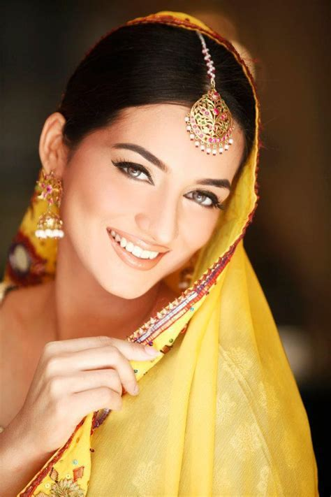 Indian Bridal Kundan Jewelry With Maang Tikka Set
