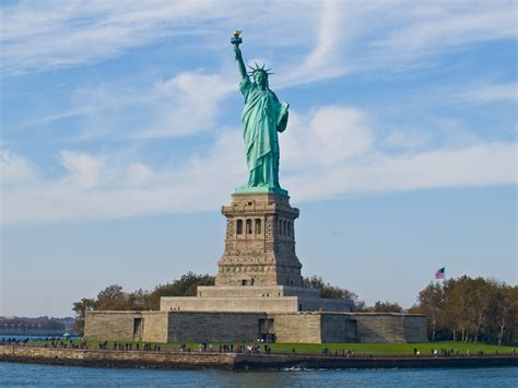 Statue of Liberty - New York (USA) - World for Travel
