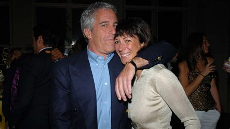 British socialite ghislaine maxwell and others are under fbi investigation following the jeffrey epstein case, sources have told. Does Ghislaine Maxwell Know About Epstein's Rumored Sex ...