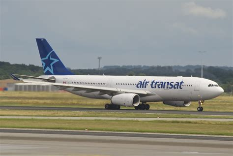 a330 200 air transat file air transat airbus a330 200 c gtsr fra 01 07 2012 659do 7734123578 jpg wikimedia commons