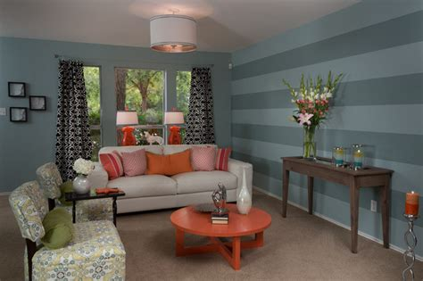 living room realty hgtv property brothers buying selling tx