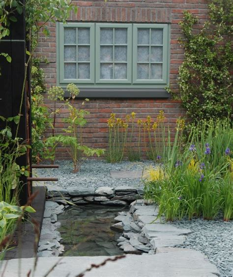 using bark chippings in garden 25 best ideas about blue slate chippings on pinterest victorian hall products ricky brown