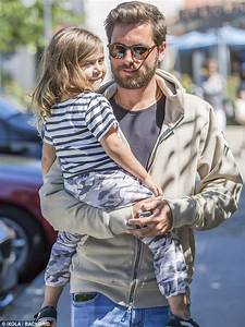 Scott Disick carries daughter Penelope after lunch outing ...