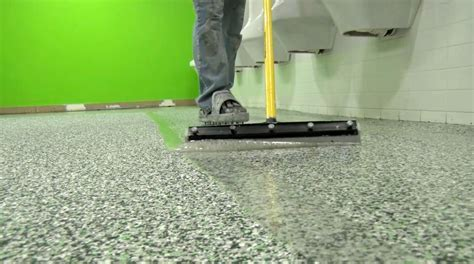 Editor?s Choice: Easy Squeegee   Concrete Construction