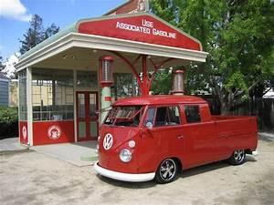 Garage Volkswagen 93 : 283 best cool garages and gas stations images on pinterest garages motorcycle and cars ~ Dallasstarsshop.com Idées de Décoration
