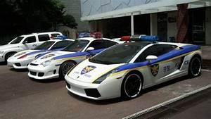 Schnelle Polizeiautos   autofahrer.ch