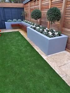 Modern, Garden, Design, Small, London, Cedar, Screen, Grey, Raised, Bed, Artificial, Grass, Cream, Paving