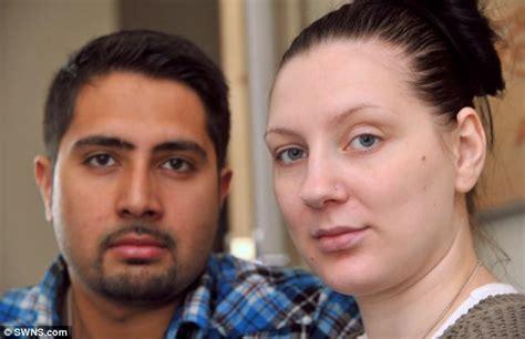 Rahim Wanita Bengkak 7 Kasus Kulit Rusak Akibat Pemakaian Make Up Jangan