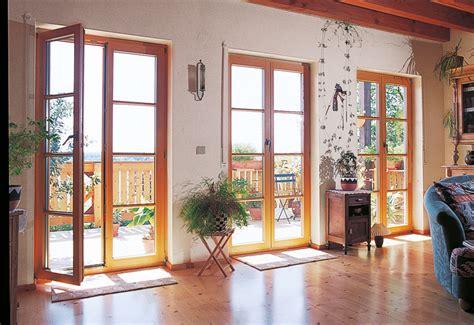 Moderne Häuser Mit Grossen Fenstern by Holz Oberfl 228 Chen Materialien Fenster T 252 Ren