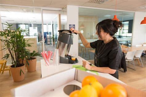 fruits au bureau pressez vos jus de fruits au bureau