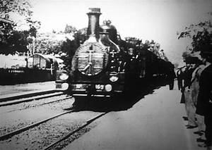 Train à L Arrivée : lumi re l arriv e d un train en gare de la ciotat 1895 julidetem ~ Medecine-chirurgie-esthetiques.com Avis de Voitures