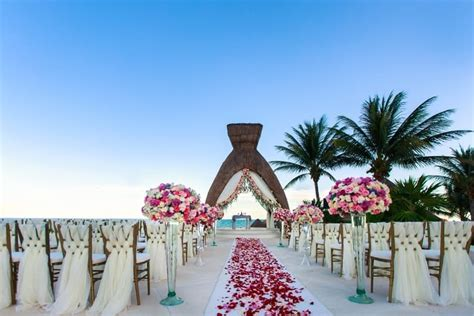 luxurious destination wedding  dreams riviera cancun