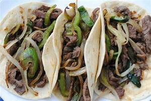 Beef Fajita Tacos on flour tortillas - Picture of VIVO ...