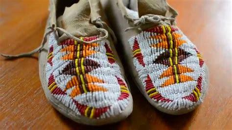 native american beaded moccasinswinnebago moccasins youtube