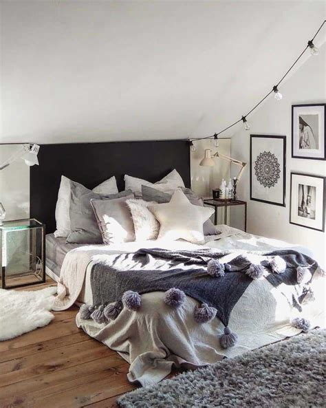 Decorating Ideas For Cozy Bedroom by 33 Ultra Cozy Bedroom Decorating Ideas For Winter Warmth