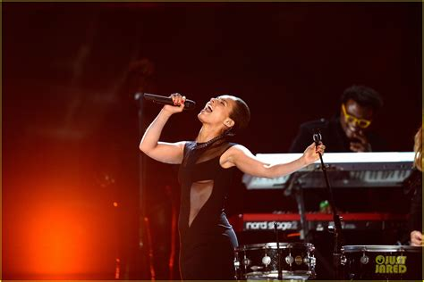 Alicia Keys Set The World On Fire Concert