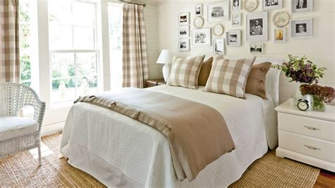 Khaki Gingham Bedroom Gracious Guest Bedroom Decorating
