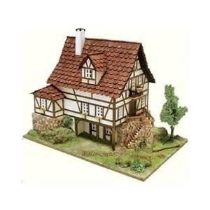 maquette de maison freiburg a construire maquette en materiaux naturels bois et ceramique fr